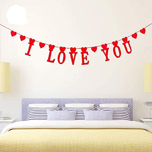 Wedding decorations, birthday, anniversary, party, mothers day. Beautiful heart garland felt red, decor fireplace romantic, ¨I LOVE YOU¨