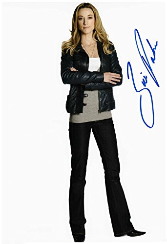 Zoie Palmer Signed Autographed 8 x 10 Photo