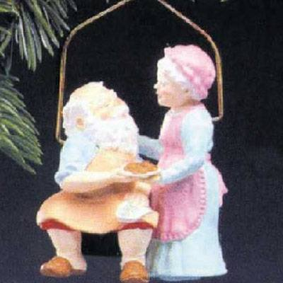Home Cooking Mr. and Mrs. Claus 2nd in Series 1987  Ornament - Hallmark QX4837