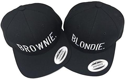 Par de gorras de moda, con logotipos bordados Blondie y Brownie ...