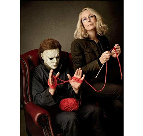 Halloween Jamie Lee Curtis as Laurie Strode knitting with