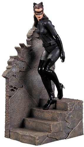 DC Direct The Dark Knight Rises: Catwoman 1:12 Scale Statue]()