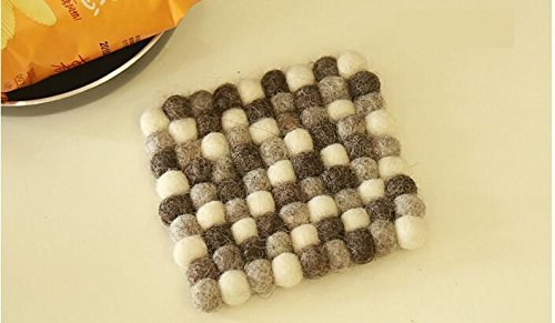 5pcs/lot Size 10*10cm Handmade Wool Felt Ball Trivet Table Heat Resistant Mat Cup Round Coaster