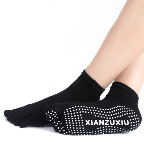 Yoga Socks Women Cotton Full Grip Socks Gym Toe Non Slip Massage Heel (Black)