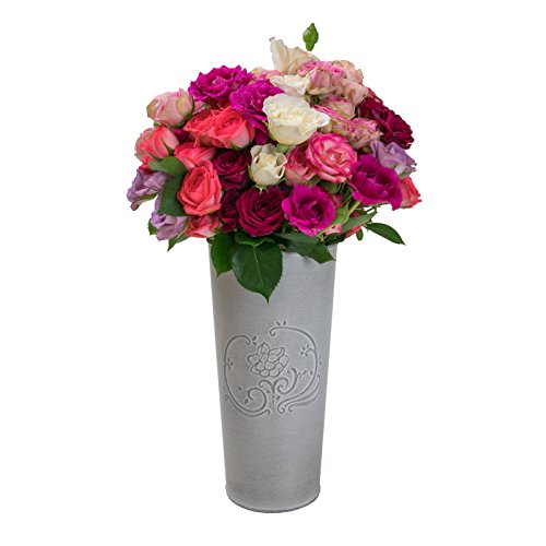 Assorted Spray Roses with Vase - 80 Blooms, Grown in the USA About the product