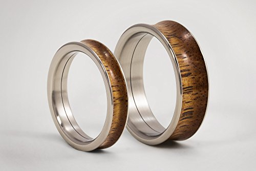 Titanium Wedding Bands with Solid Lapacho Wood/Hammered Titanium Wedding Rings/Rustic Patterned Engagement Rings Set/Gift/Handmade Jewelry