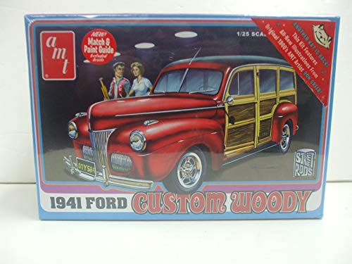 AMT Street Rods 1941 Ford Custom Woody 1/25 Scale Model kit
