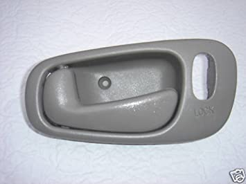 amazon com 1998 1999 2000 2001 2002 chevrolet prizm power lock gray lh drivers side inside door handle for chevy prizm left hand driver interior handle 98 99 00 01 02 for power locks and manual windows only automotive 1998 1999 2000 2001 2002 chevrolet prizm power lock gray lh drivers side inside door handle for chevy prizm left hand driver interior handle 98 99 00