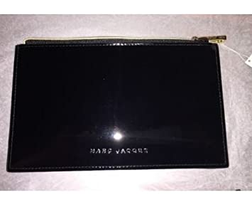 f04a7126f86 Amazon.com : Marc Jacobs black patent faux leather makeup bag cosmetic case  pouch : Beauty