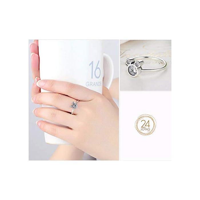 416pc9FRn7L DISEÑO – Olvide preocuparse por el tallaje, el anillo 24Joyas es un anillo abierto ajustable, adaptable a cualquier dedo. Está realizado en plata de ley 925 con una piedra principal brillante de 5 milímetros y cientos de piedras pequeñas alrededor del anillo, un diseño clásico que se mantiene siempre elegante y sofisticado a pesar del paso del tiempo, como el amor. JOYA ELEGANTE – El anillo es una joya refinada, con una delicada y atractiva discreción que distingue a las niñas, chicas y mujeres con buen gusto y elegancia.Ideal para combinar con cualquier vestido y/o ropa casual aportando un toque de belleza y distinción en cualquier situación. MATERIAL DE ALTA CALIDAD – Anillo construído con fina plata de ley 925 y zirconia cúbica de pureza 5A, antialérgica, no contiene constituyentes nocivos, no contiene níquel, no contiene plomo y no contiene cadmio.