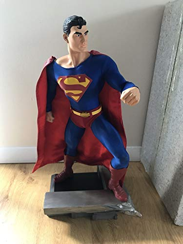 (DC DIRECT GALLERY SUPERMAN 1:4 SCALE MUSEUM QUALITY 18