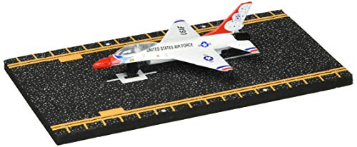 Hot Wings F-16 Thunderbird with Connectible Runway ()