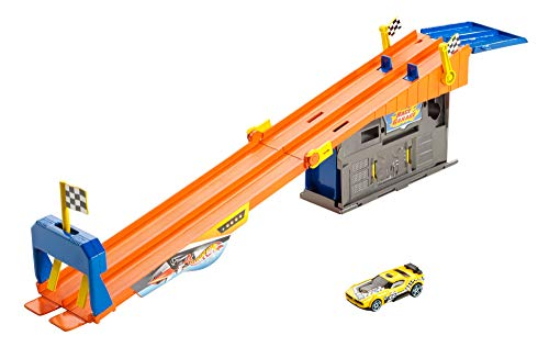 Hot Wheels Rooftop Race Garage Playset from Hot Wheels