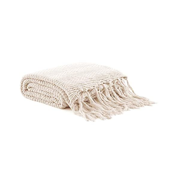 """Longhui bedding Fringe Knit Cotton Throw Blanket, 50 x 63 Inches Decorative Knitted Cover with 6 Inches Tassels, Bonus Laundry Bag - 3.12lb Weight, Couch Blankets, Cream - ELEGANT KNITTED BLANKET: Beautiful knitting is what gives our throw blanket fancy touches of detailed sophistication. The woven pattern brings a decorative element to any sofa, couch, bed, recliner or sitting bench. BIG ENOUGH FOR SNUGGLING: Measuring 50""""x63"""", the knit blanket is large enough to cover two people. Spend the night in watching Netflix beside your significant other blanketed by the warmth of this knitted throw! HEAVY WEIGHT 100% COTTON: Weighing in at 3.12 pounds, our signature knitted throw blanket is weighted to deliver unparalleled comfort. It's soft & cozy but also heavy enough to keep the chill out on cold winter days. - blankets-throws, bedroom-sheets-comforters, bedroom - 416siwj93EL. SS570  -"""