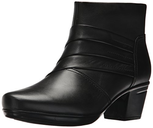 Clarks Women's Emslie Moxie Ankle Bootie, Black Leather, 8 M US by CLARKS