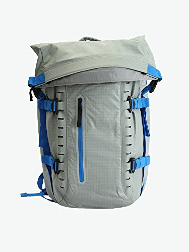"Oakley Mens Motion 26 Backpack, Stainless Steel, 20"" H x 13"" W x 3"" D by Oakley"