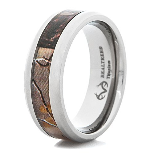Men's Beveled Edge Titanium Realtree AP Camo Wedding Ring ()