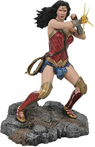 416voz1wCoL DIAMOND SELECT TOYS DC Movie Classics Gallery: Justice League Wonder Woman PVC Figure, Multicolor, One-Size