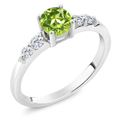 Gem Stone King 0.70 Ct Round Green Peridot G-H Lab Grown Diamond 925 Sterling Silver Ring (Size 7)
