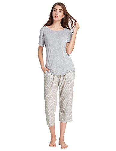 Zexxxy-Women-Pajama-Short-Sleeve-Round-Neck-Tops-with-Printed-Capri-Pants-ZE0155