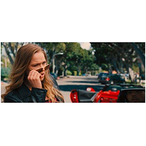 Entourage (2015) 8x10 Photo Beautiful Young Woman Pulling Off Sunglasses - Beautiful Sunglasses 2015