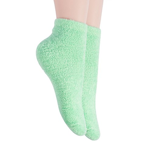 Bucky Luxuriously Plush Aloe-Infused Moisturizing Spa Socks To Protect Pedicures Soften Skin, Provide Comfort While You Sleep - Mint