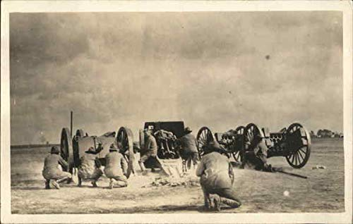 Soldiers on the Battlefield, WWI World War I Original Vintage Postcard ()