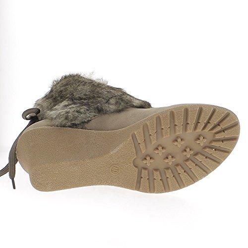 Botas taupe en un tacón de 7,5 cm ante mirada forrado piel sintética