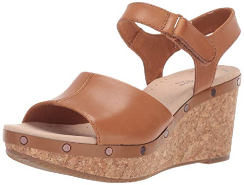 CLARKS Women's Annadel Clover Wedge Sandal, tan Leather, 095 M US
