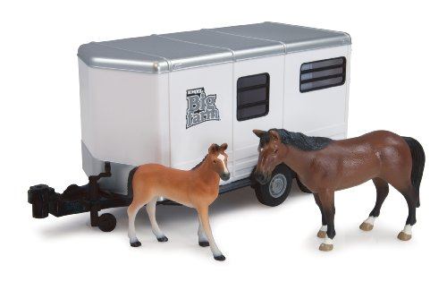 (Ertl Big Farm Horse Trailer with Horse and Colt, 1:16 Scale)