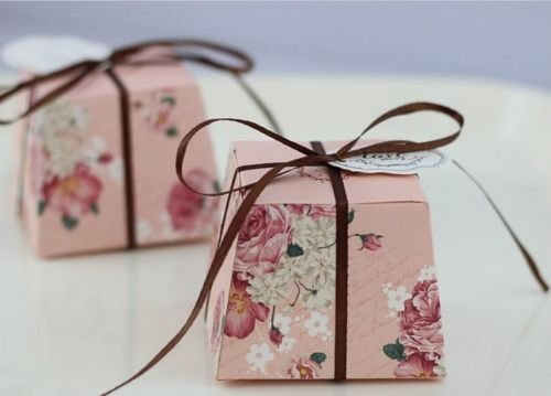 The Pecan Man 50pcs Floral Trapezoid Candy Boxes Wedding Themed Gift Sweets Pink (Necklace Dollar Sign Jumbo)