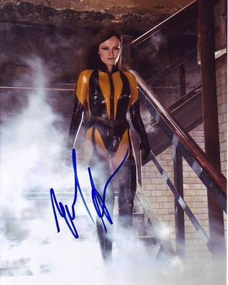 MALIN AKERMAN signed autographed WATCHMEN LAURIE JUPITER SILK
