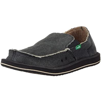 As a PlanetShoes customer, I believe you will find the styling and comfort of the Earth Shoes family of brands a perfect fit. Earth Shoes are the makers of many fine women's shoe brands including Earth®, Earthies®, Earth Origins® and the original wellness shoe brand Kalso Earth® Shoes.