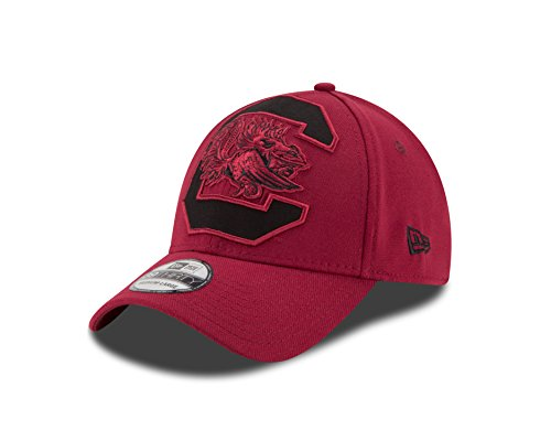 NCAA South Carolina Fighting Gamecocks Magnifier Classic 39Thirty Stretch Fit Cap, Red, Medium/Large