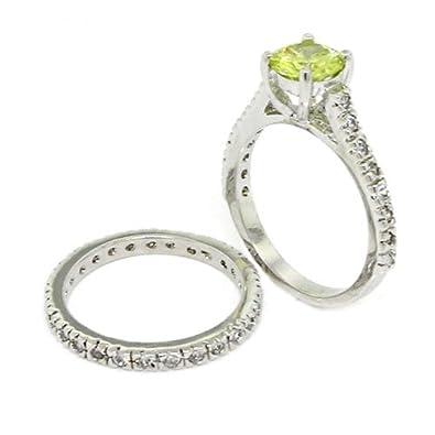 Amazoncom ClassicVintage Wedding Ring Set wPeridot White CZs