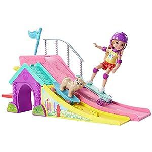 417DgGkJQfL. SS300  - Barbie Club Chelsea Flips & Fun Skate Ramp