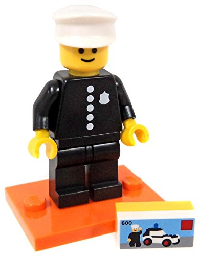(LEGO Series 18 Collectible Party Minifigure - Retro Police Officer 1978 (71021))