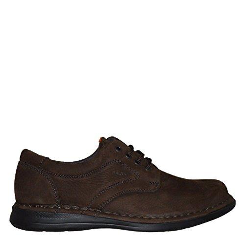 Frau–Zapatillas, Hombre marrón