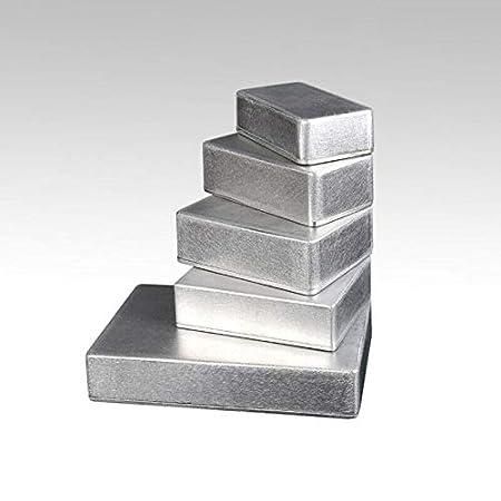 bo/îtier /étanche en alliage daluminium moul/é sous pression. Bo/îtier en m/étal