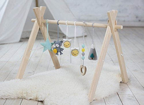 Woodland baby play gym with 6 toys. Bear and bees, Mountain, Star, Teether wood. Wooden baby gym, crochet baby gym toys. Activity center, grey, yellow, mint. Handmade in eastern Europe. (Baby Gym Wooden)