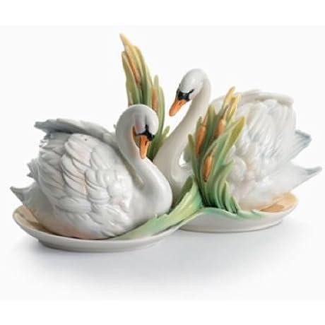 Swan Lake Swan Porcelain Salt Pepper Shaker Set