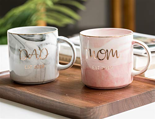 New Parents Pregnancy 2019 Announcement, 12 OZ Ceramic Coffee Tea Mugs Set, Baby Shower Anniversary Gifts for New Mom and Dad Ideas (Best Gifts For Mom 2019)