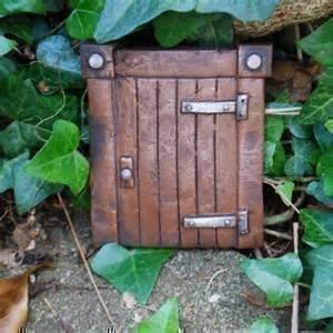 Large 6 hobbit or fairy door elf tree decoration garden for Amazon uk fairy doors