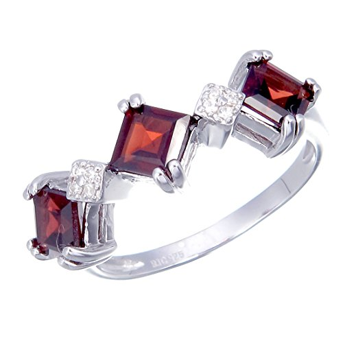 Sterling Silver Garnet 3 Stone Ring (0.70 CT) In Size (Cut Garnet 3 Stone Ring)