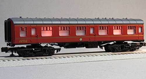 LIONEL HOGWARTS LIGHTED PASSENGER CAR O GAUGE 83620 Harry Potter 99718 - Harry Potter Lionel Trains