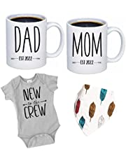 """Pregnancy Gift Est 2022 - New Mommy and Daddy Est 2022 11 oz Mug Heart Set with """"New To The Crew"""" Romper (0-3 Months) - Top Mom and Dad Gift Set for New and Expecting Parents to Be - Baby Shower"""