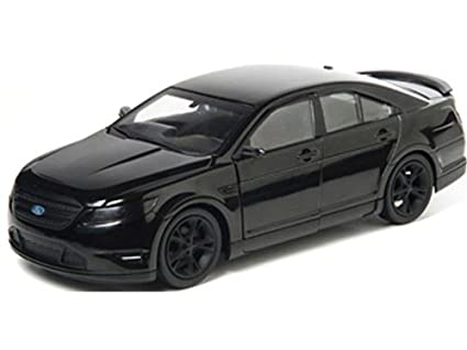 Amazoncom GreenLight 124 2011 Ford Taurus SHO from Men In Black