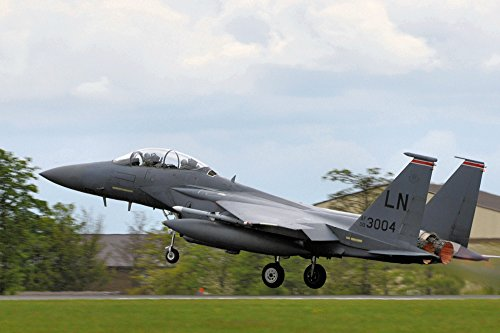 An F-15 Eagle from the 48th Fighter Wing takes off from RAF Mildenhall, England, April 11, 2010. (48th Fighter)