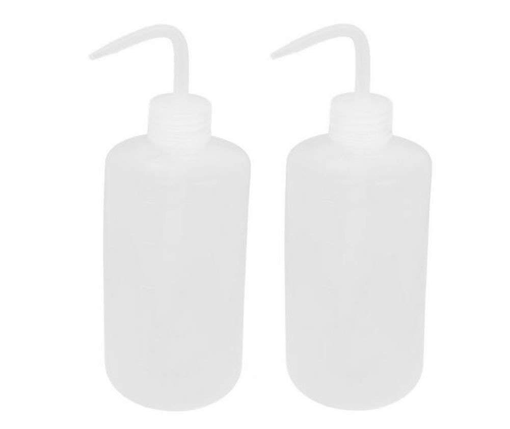 2PCS 1000ml/34 oz Plastic Squeeze Bottle With Measuring Refillable Bent Tip Wash Cleaning Liquids Water Storage Containers Pot Holder Portable Safety Garden Home Kitchen Supply (White)