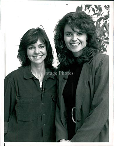 Vintage Photos 1992 Press Photo Actress Sally Field Maria Shriver Celebrity Hollywood Ca 7X9